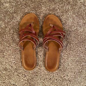 Universal thread sandals 11